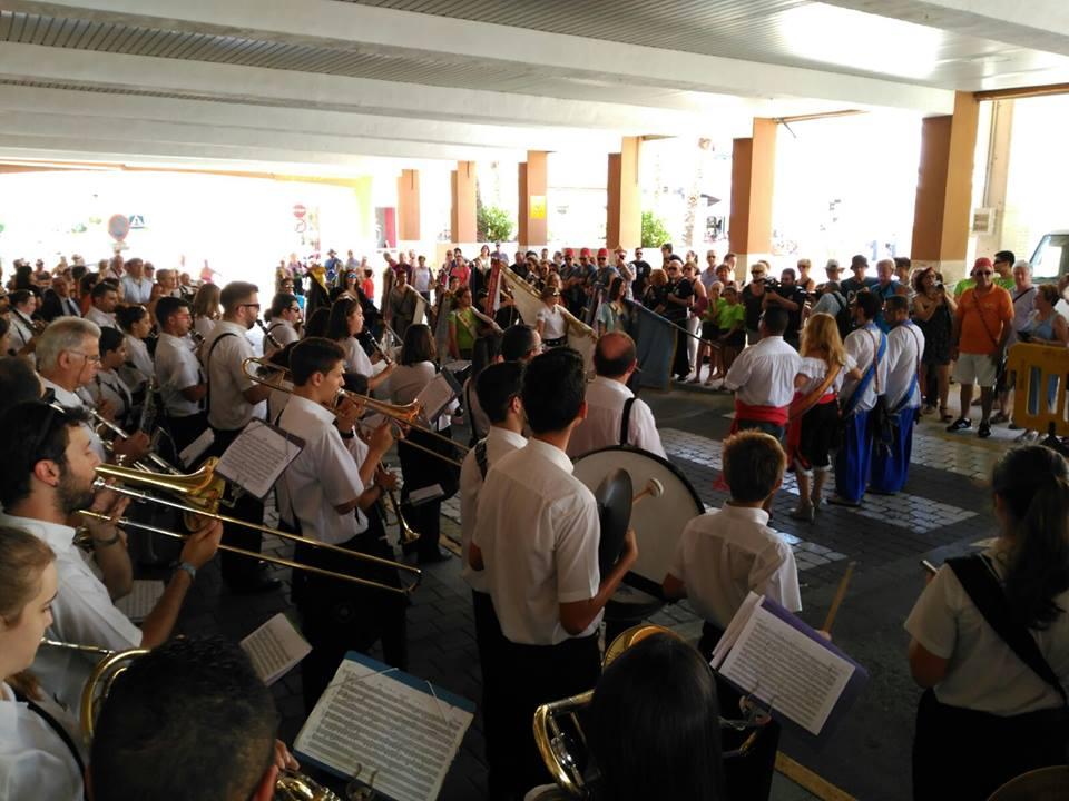 Desfile Cargos Festeros